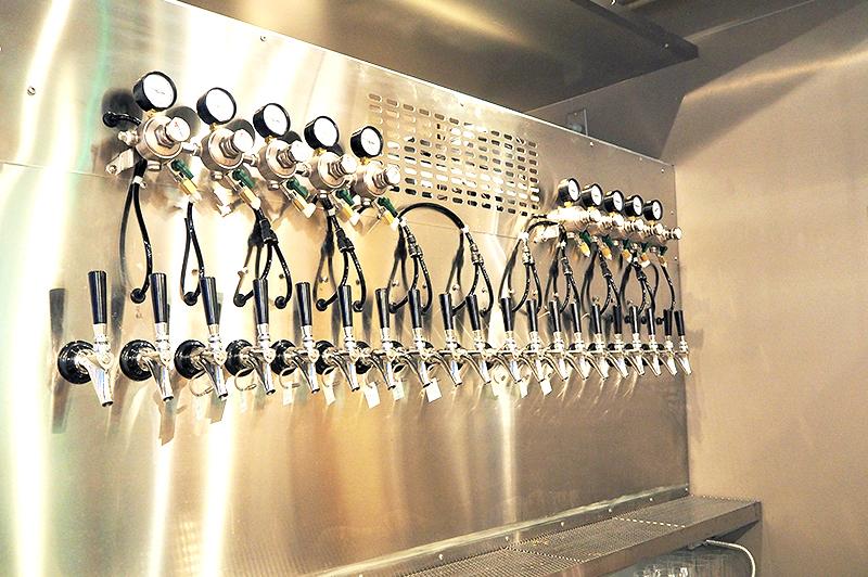 20タップスのビールサーバー