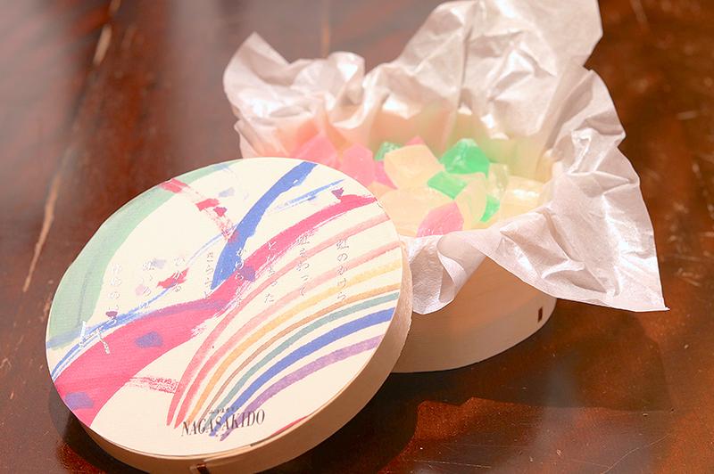 寒天菓子が入った「虹のかけら」
