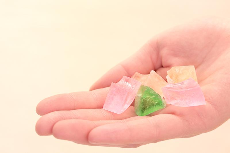 かわいいお菓子「虹のかけら」