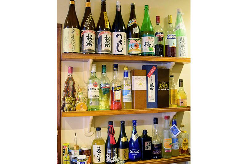 焼酎と日本酒の棚