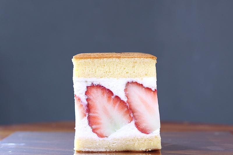 苺のサンドケーキ1個