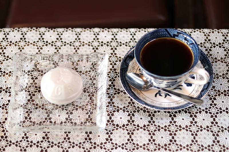 大正時代に迷い込んだみたい。レトロ喫茶店『ゼー六』で名物「アイスモナカ」を堪能