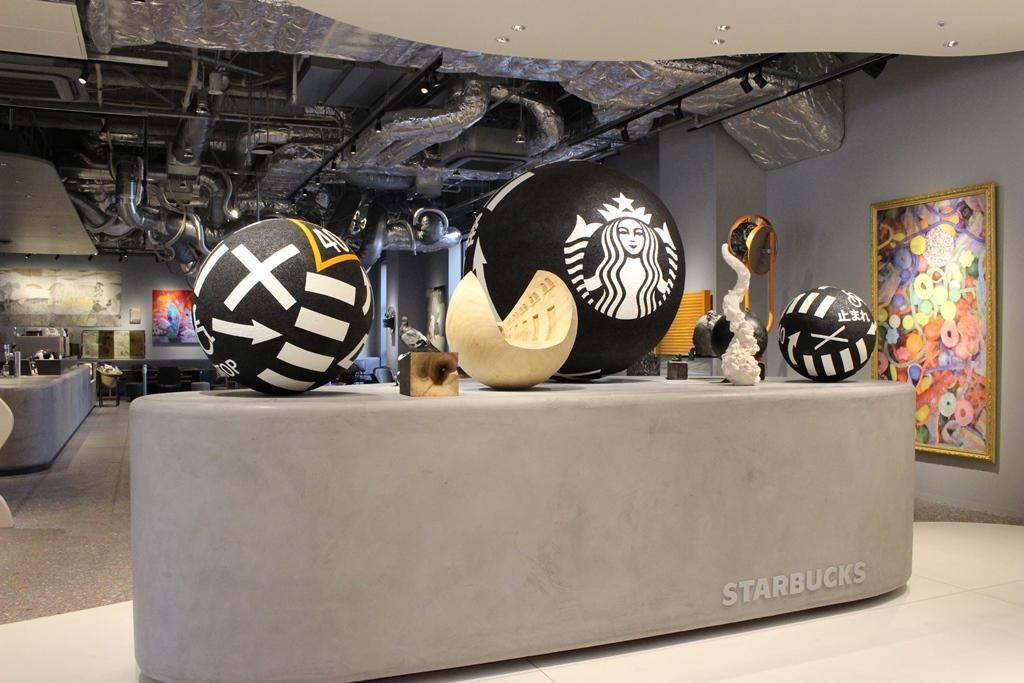 80点以上のアート作品に囲まれながらコーヒーを楽しめる『スターバックス コーヒー 京都BAL店』、3/20(水)オープン!