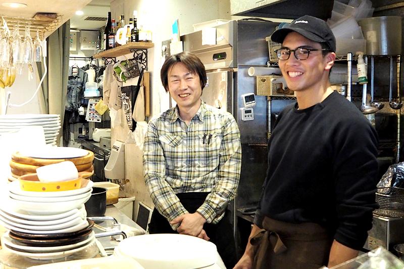 パプリカ食堂のオーナーとスタッフ