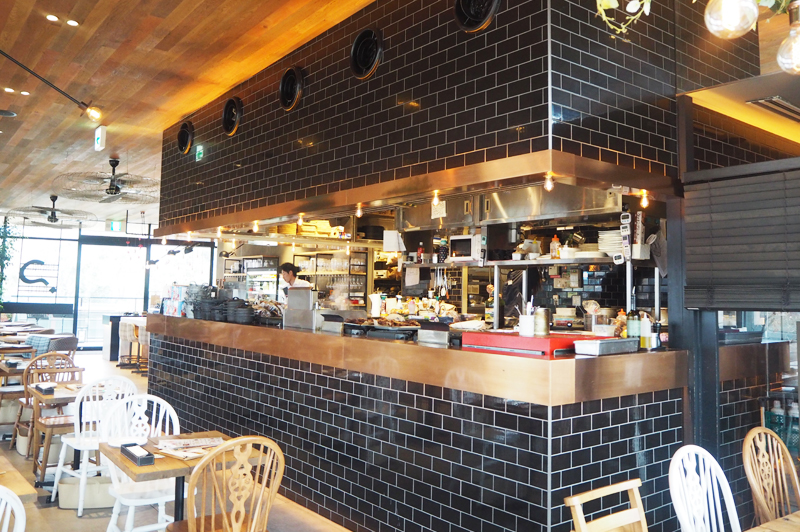 good spoon 大阪ジョーテラス店のオープンキッチン