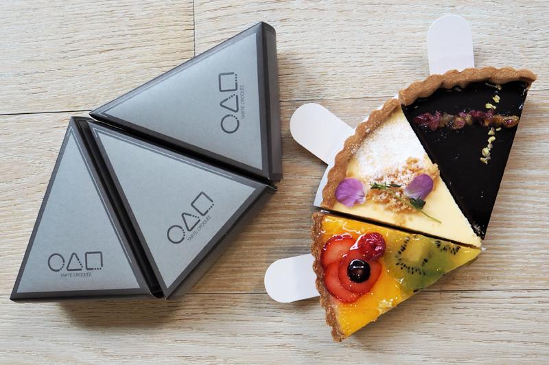 フレッシュフルーツ、ショコラ、ベイクドレアチーズのタルトとパッケージ