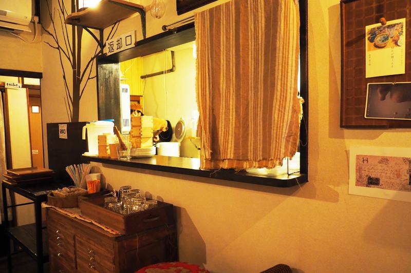 KAYA cafeの商品提供窓口