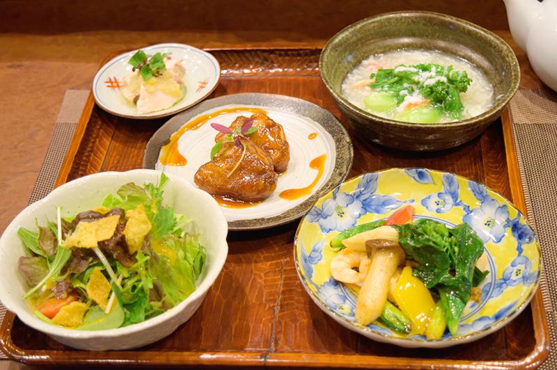 住吉区・帝塚山の『中国菜 つじ岡』にて、ホテル出身シェフが調味料にまでこだわるヘルシー本格中華ランチを味わう