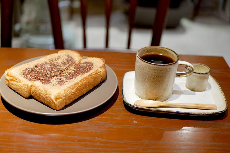 ブレンドコーヒーとシナモンシュガートースト