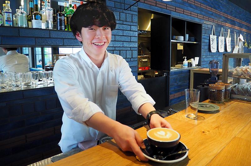 大阪の港町に鎮座する、こだわりのサードウェーブ系コーヒー店『Work Bench Coffee Roasters Osaka』で果実感溢れるコーヒーを楽しんで