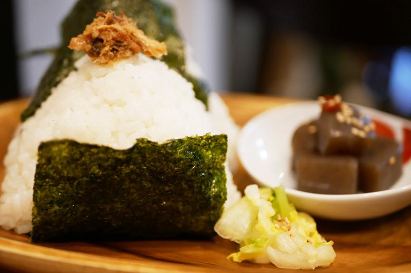 お米が主役!中崎町の『めがね製作所カフェ 藍丸』で、優しさ溢れる故郷のごはんや、こだわりの甘味を