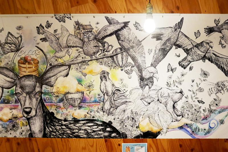 壁一面の絵
