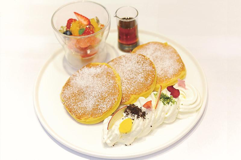 ダマンリュミエール特製ふっくらパンケーキ
