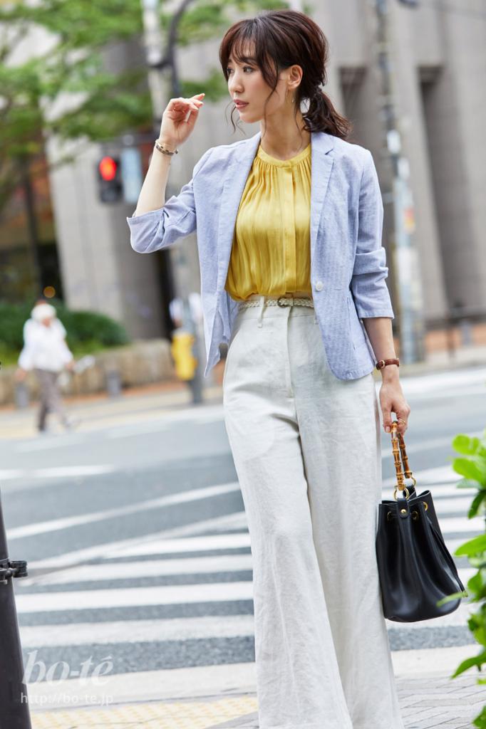 着る人のしなやかな魅力が際立つジャケットスタイル