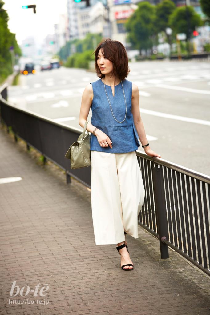 ブルーとホワイトを組み合わせた爽やかスタイル