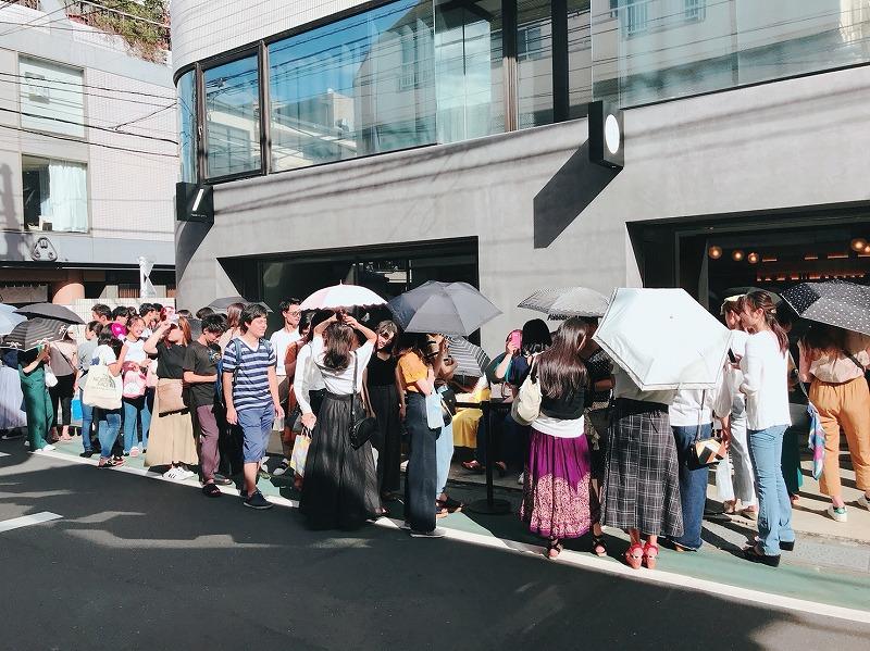 『CHAVATY』表参道店オープン時の行列の様子