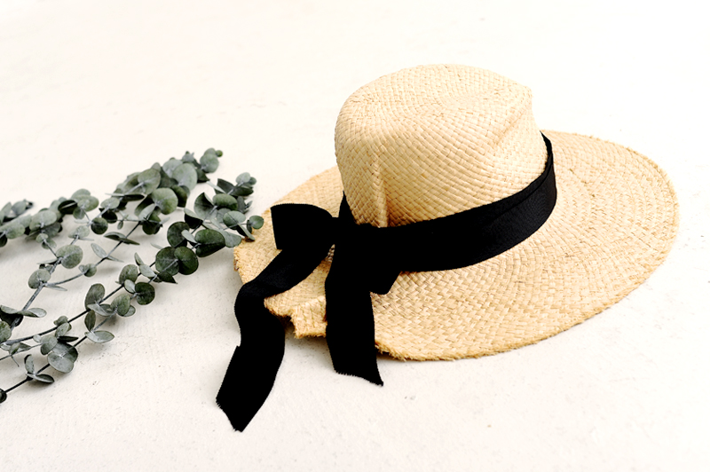 オシャレな女性に人気の麦わら帽はコレ!キャペリンハットとパナマハット