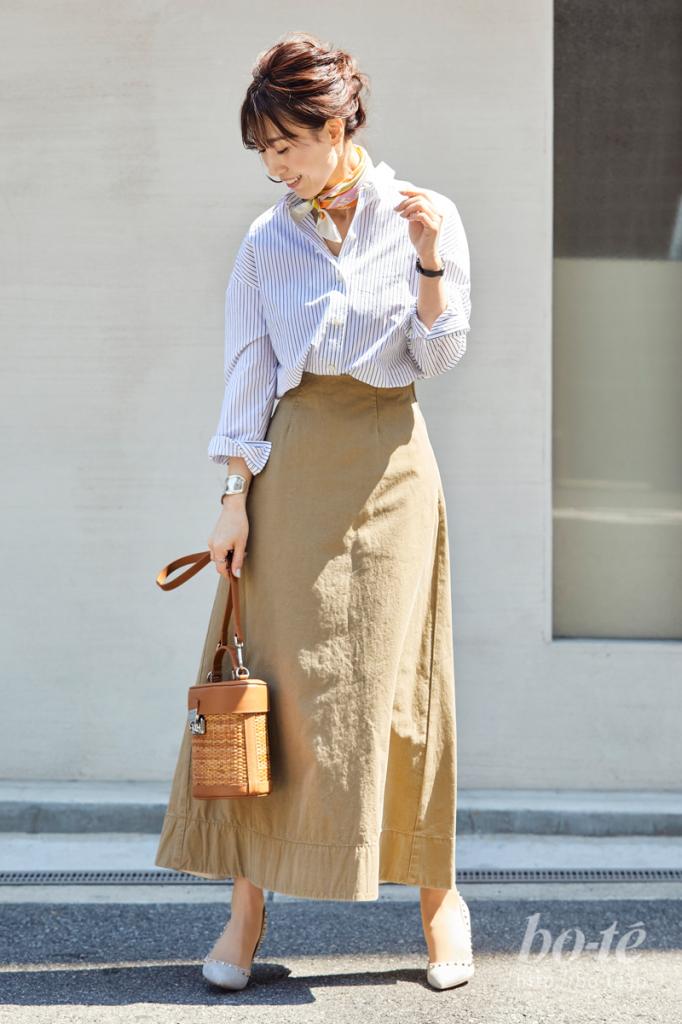 爽やかなシャツスタイルにも、そっと馴染む「ボーンカフブレスレット」