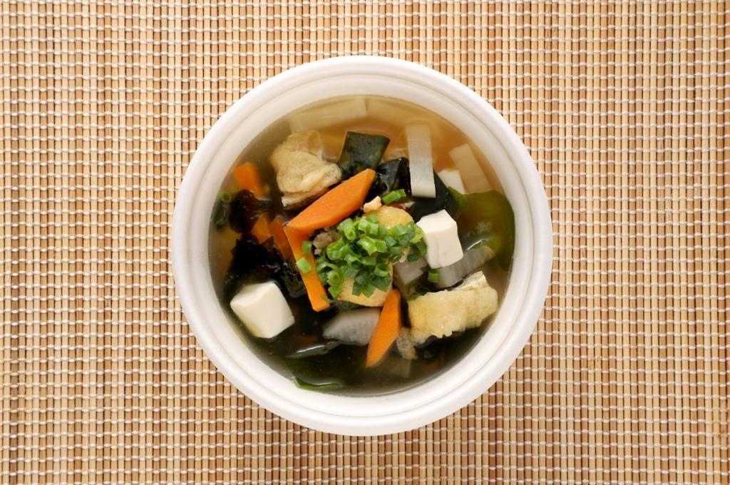 「豆腐とわかめと薄揚げ」