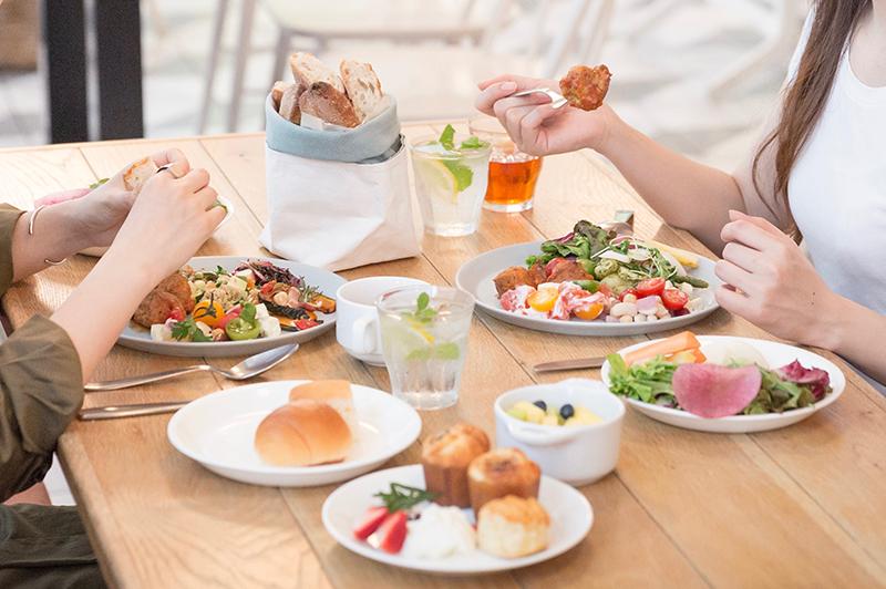 SOHOLM CAFE+DINING UMEDAの料理の数々