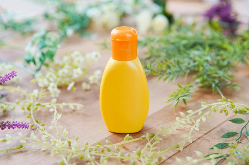 日焼け止めボトル