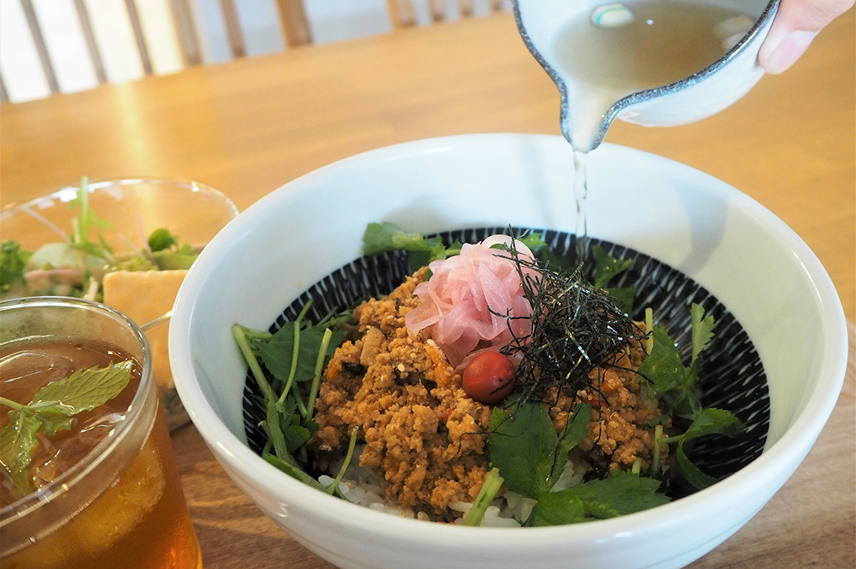 【京都】川端二条にある『和とcurry しらべ』で、出汁×スパイスが奏でる新食感カレーの味わいに感動