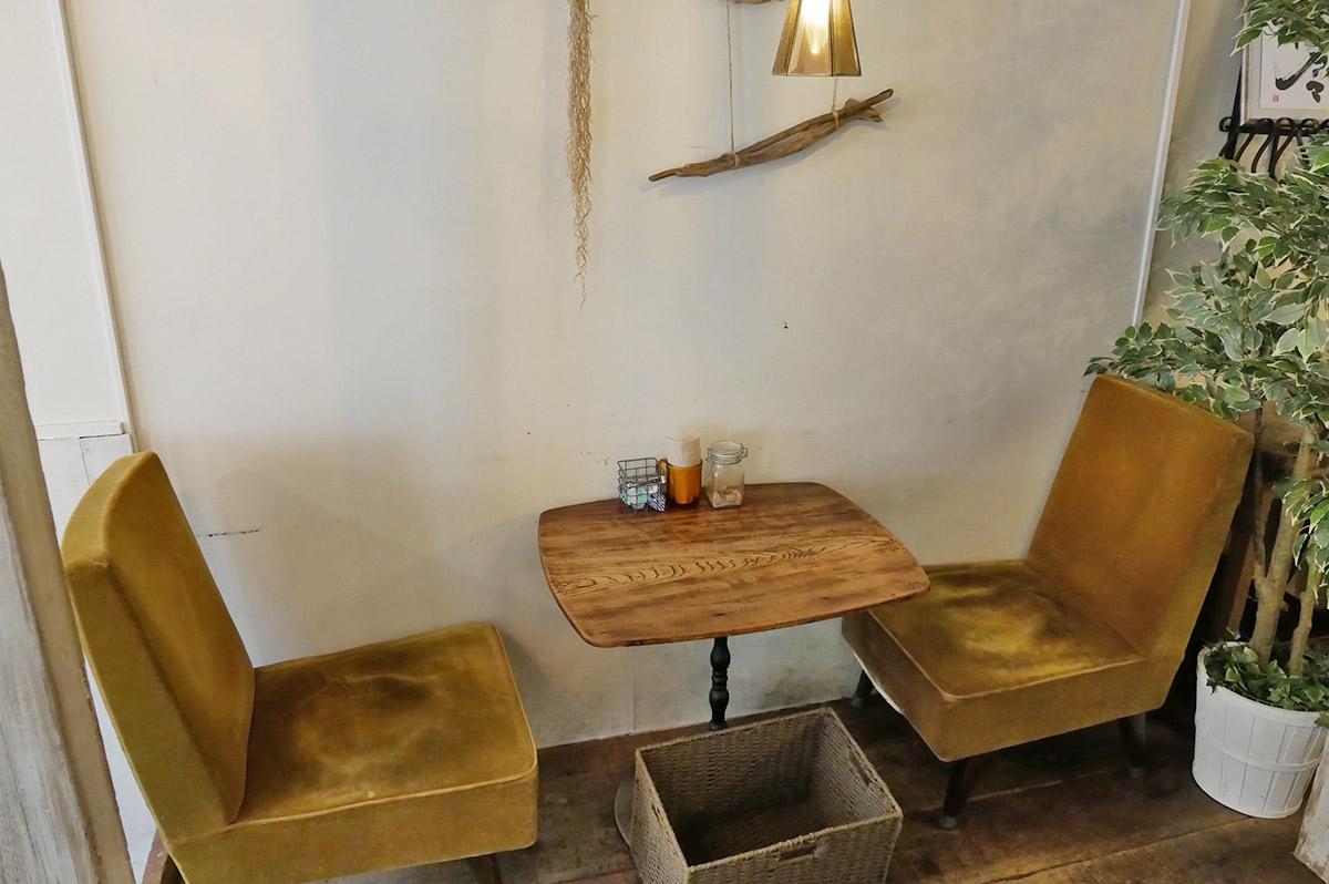2人用テーブル席