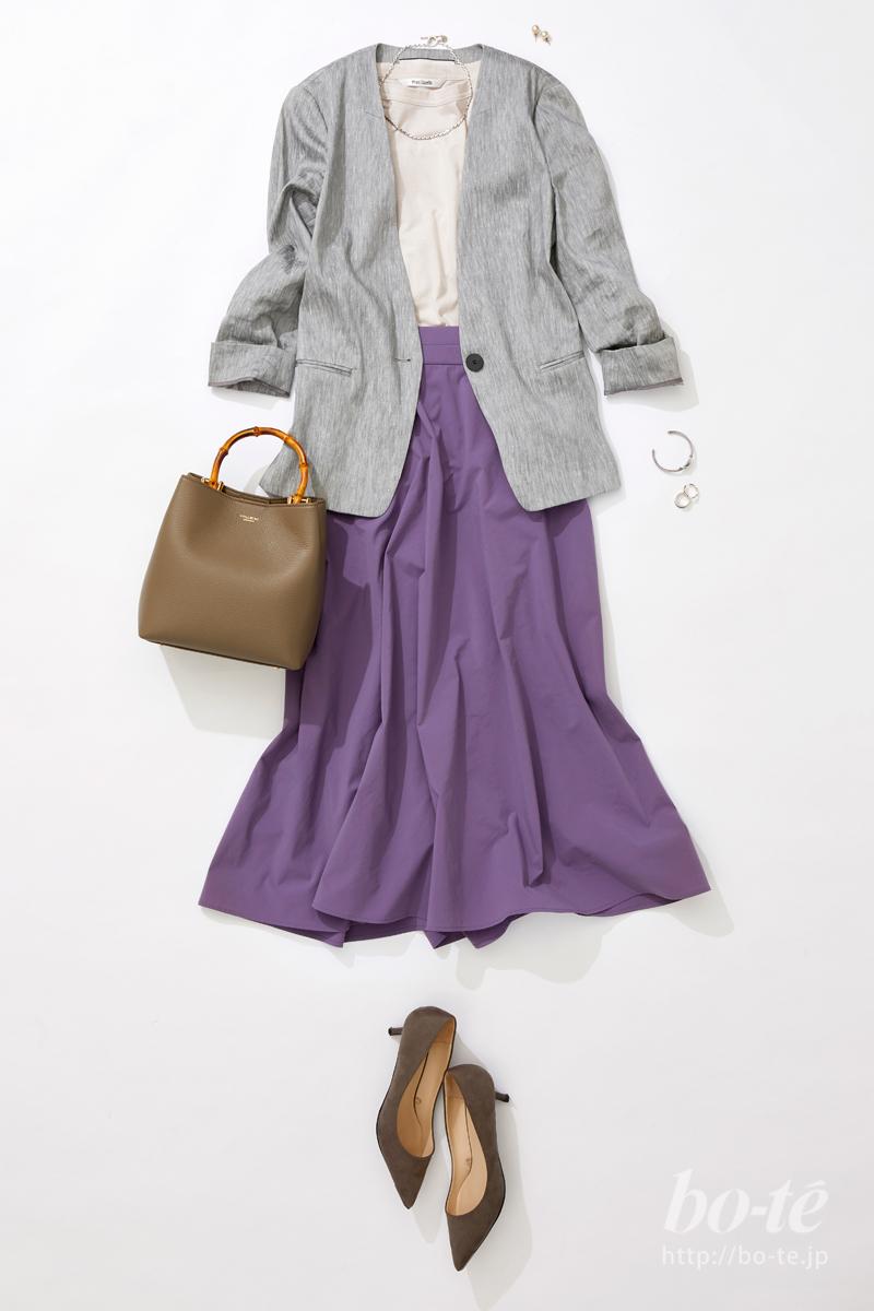 パープルカラーのフレアスカート