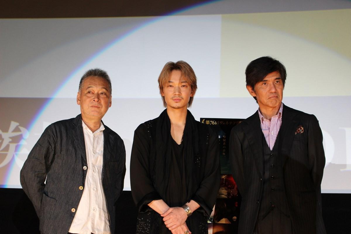 綾野 剛、開口一番「大阪、大好きー!!」。映画『楽園』大阪舞台挨拶レポート