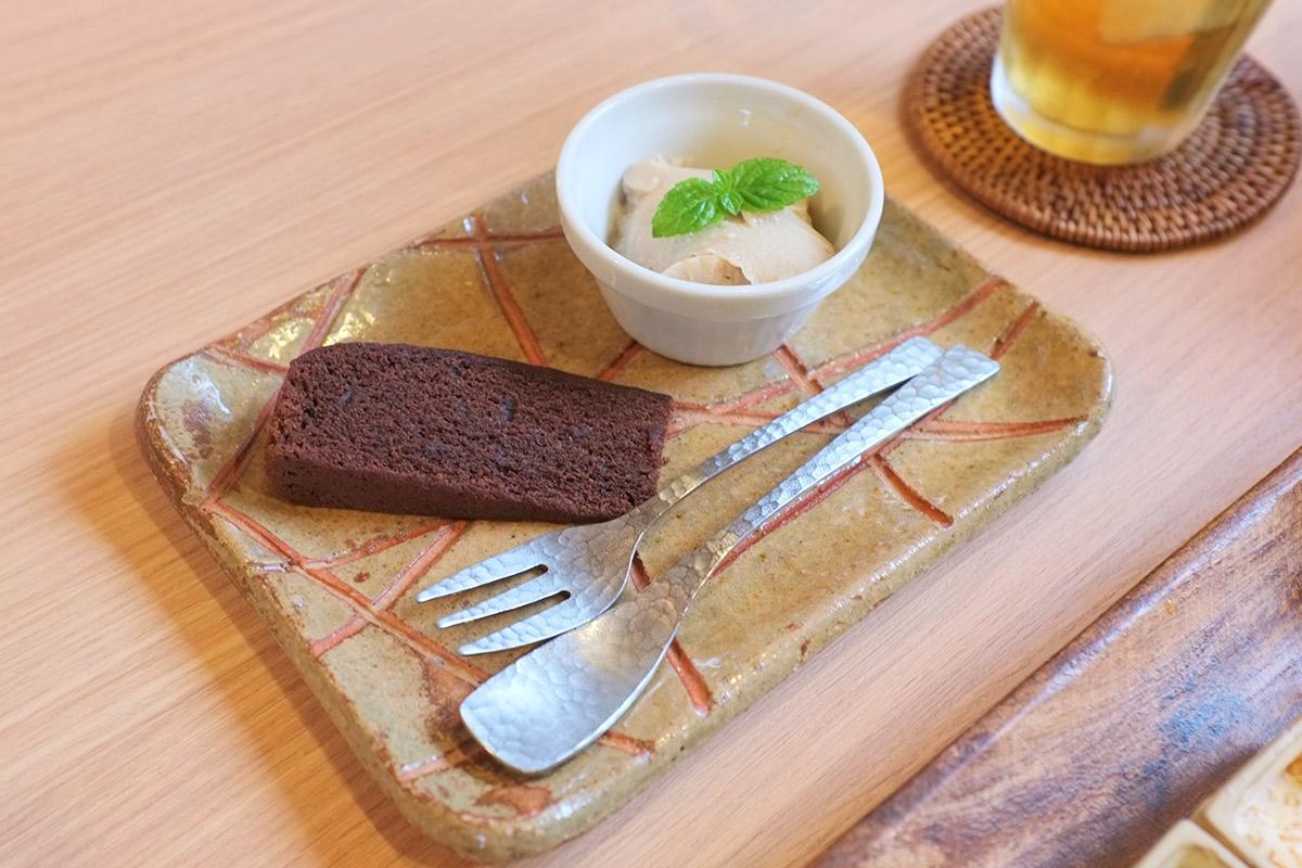 豆乳プリンとミニケーキ
