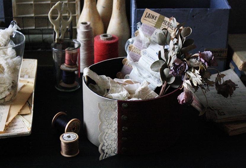 """【連載】人気の100均リメイクに挑戦!『ダイソー』の""""紙箱""""でドレス風ボックスを作ってみよう!"""