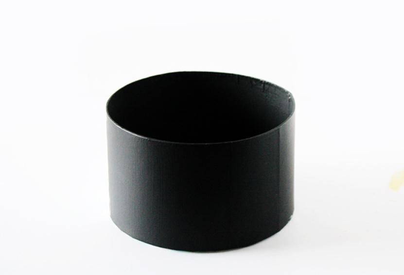 箱に黒いペイントをDIY
