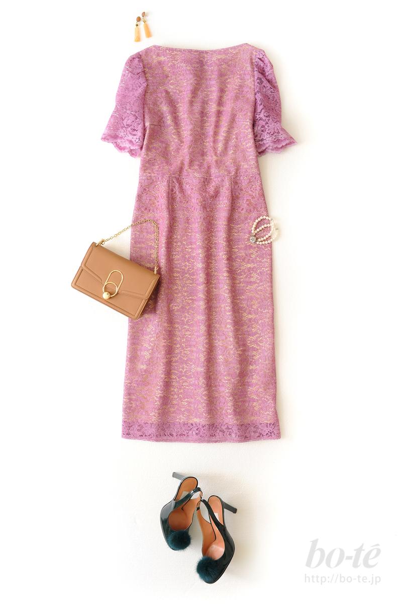 キュートなドレスに添える清楚な《パールブレスレット》