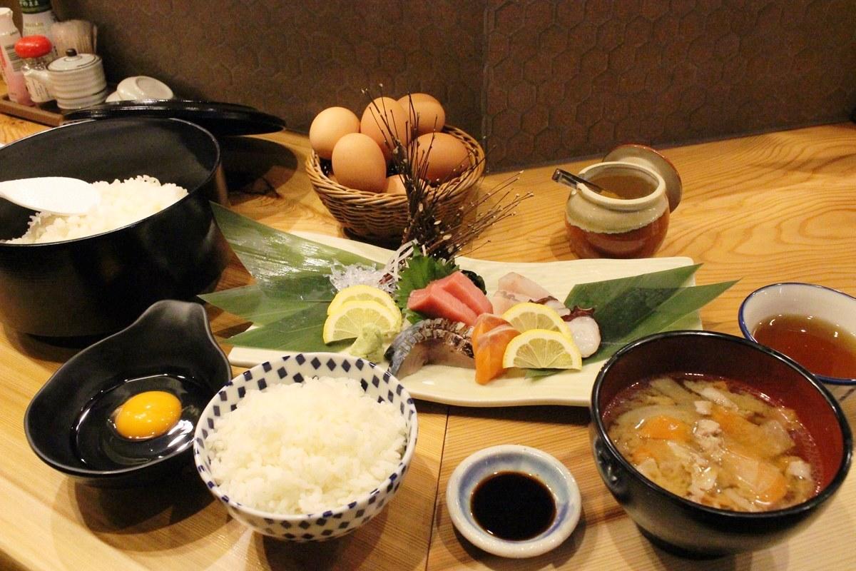 「刺身定食」(990円)