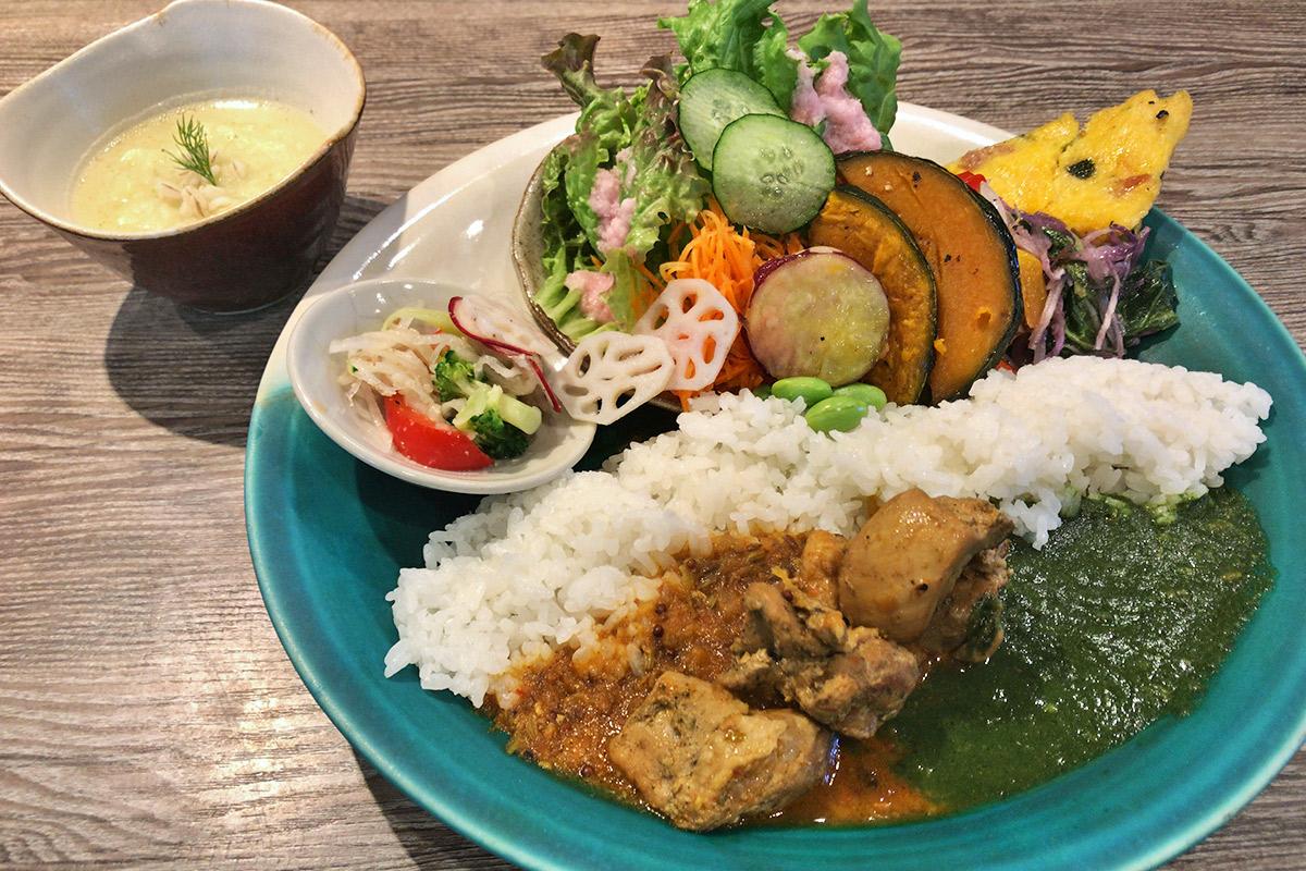 【西田辺】陶芸教室併設のカフェ『トクリ61』の食器にもこだわったカレーライス