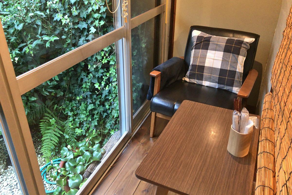 一人用のテーブル席