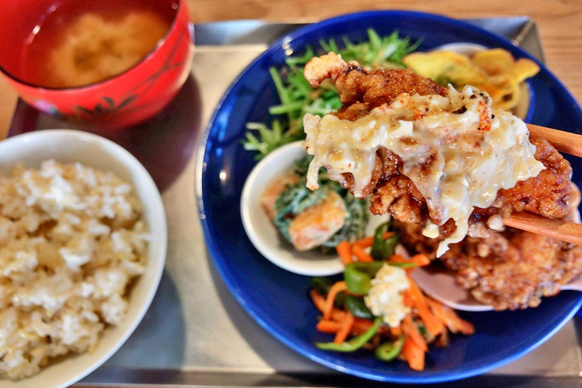 【西田辺】『ほんま食堂』の小鉢野菜たっぷりの体にやさしい「きょうの定食」