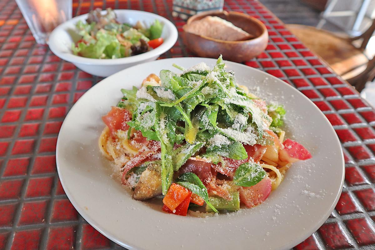 生ハムと旬野菜 トマトとチーズのスパゲティパスタのセット