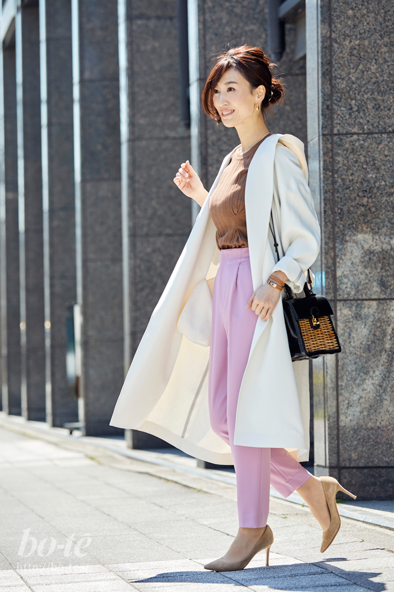 優しげな華やか美人。クタッと可愛いフード付きコート