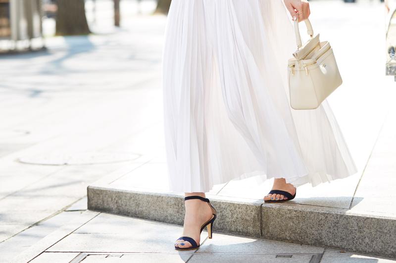 春の《プリーツスカート》をセンスアップさせたいなら靴選びが重要?