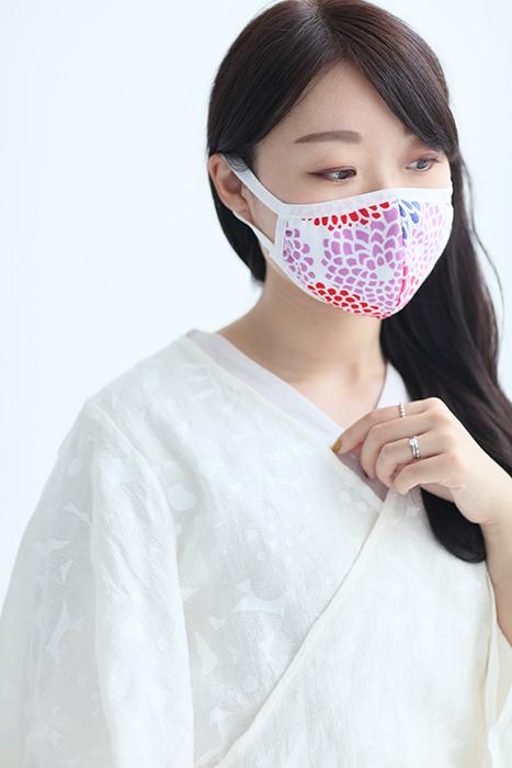「SOU・SOUテキスタイルマスク」(583円)