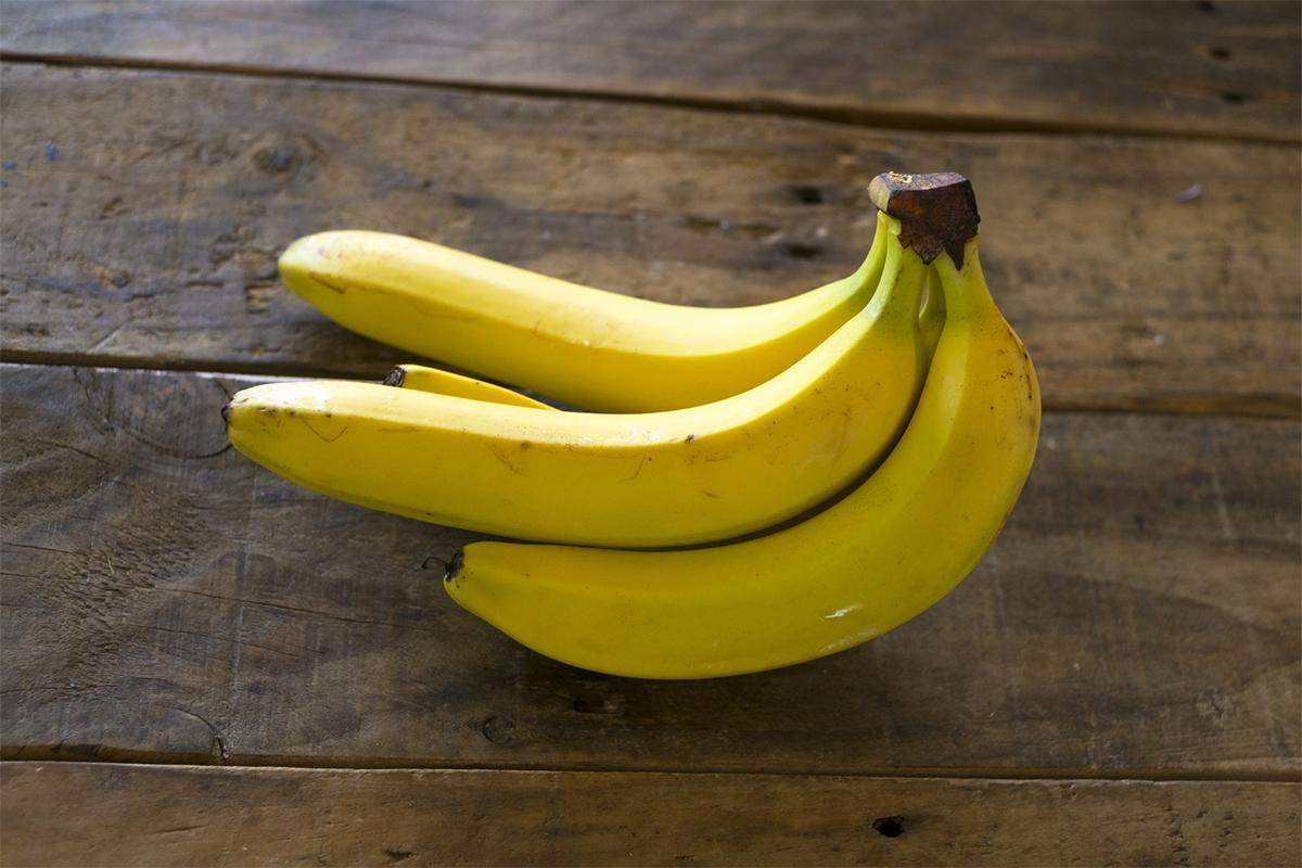 バナナのおやつを作る
