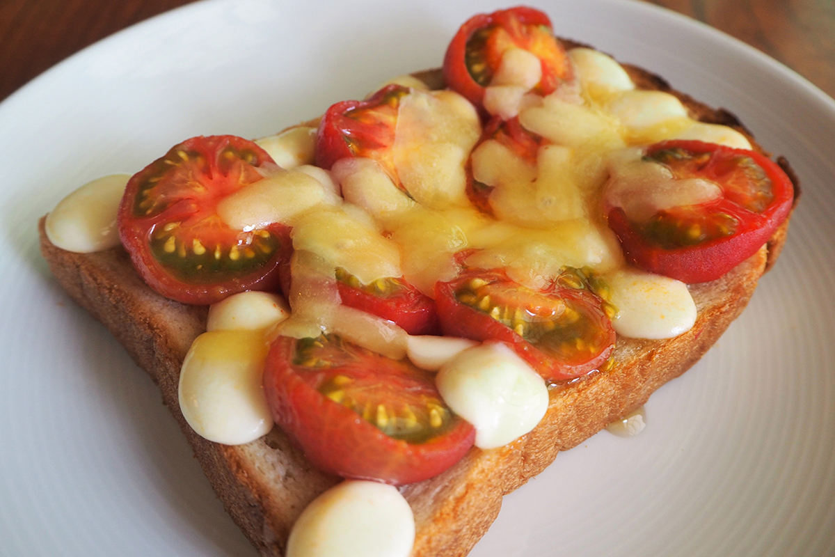 ハニートマト×チーズトーストの作り方