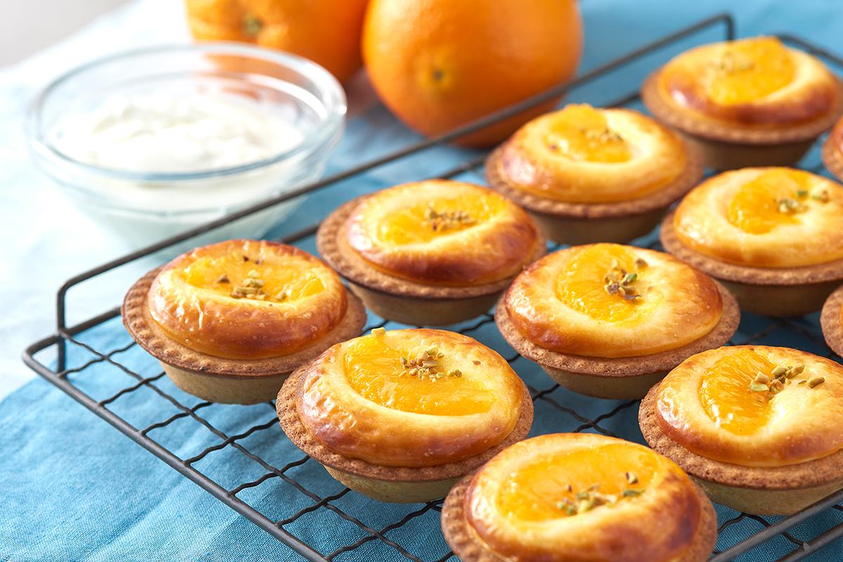 焼きたてチーズタルト専門店に、期間限定で「オレンジヨーグルトチーズタルト」が登場!