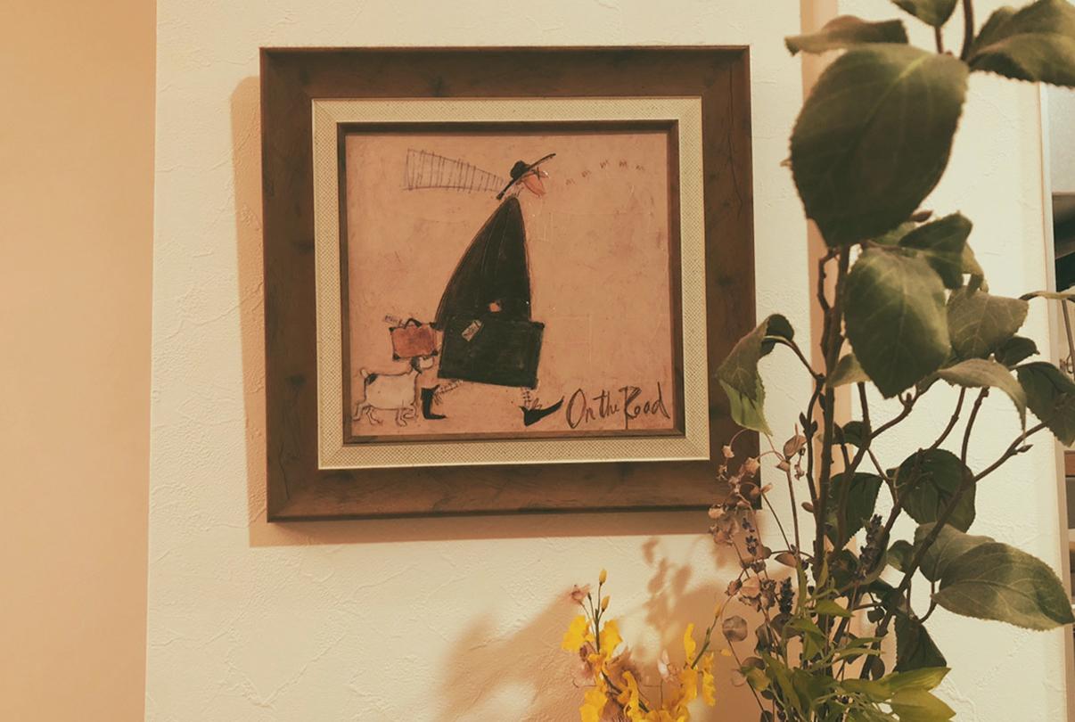 大人女子部屋、イラストを飾る