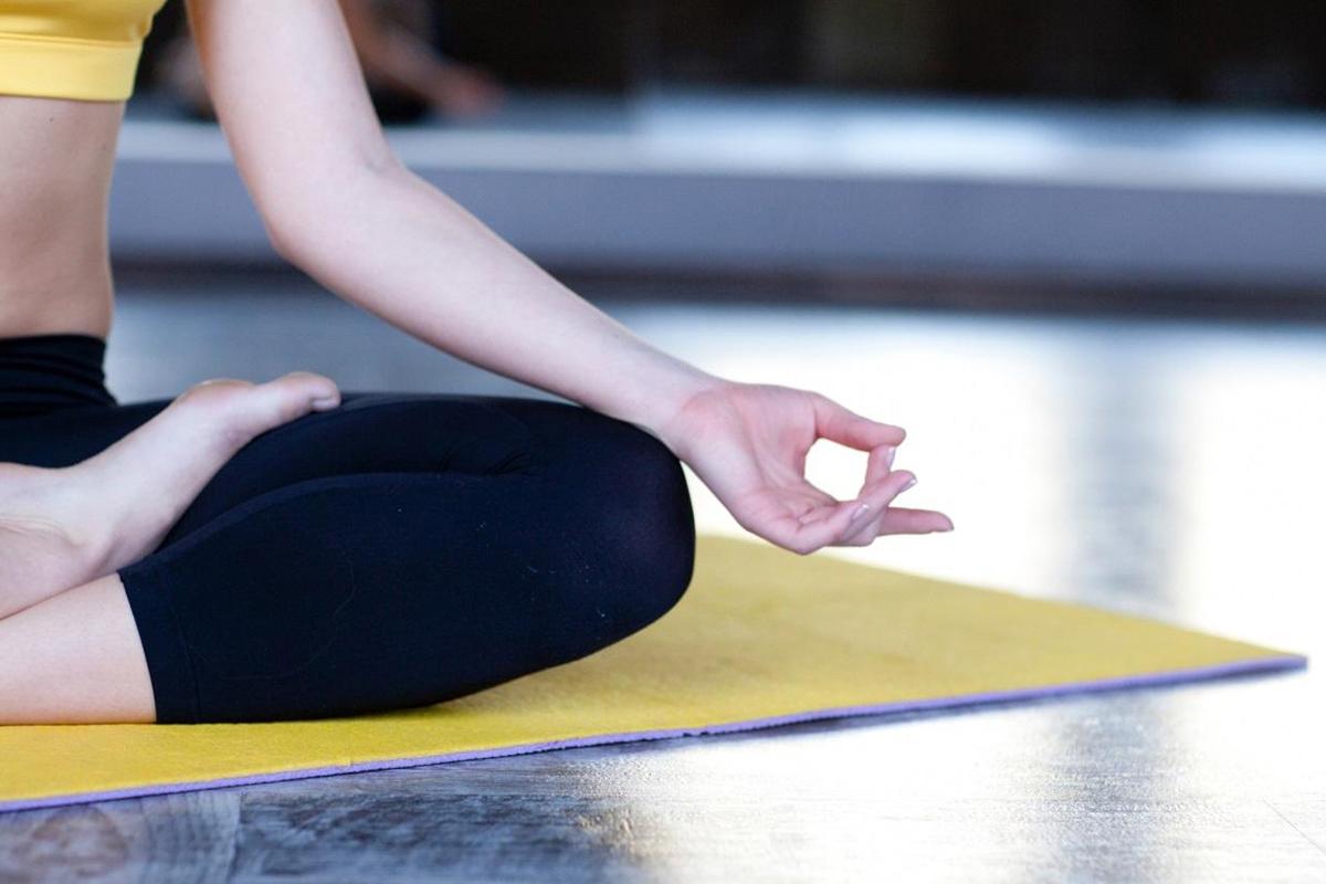 ストレス解消に繋がるヨガ上級者の呼吸法