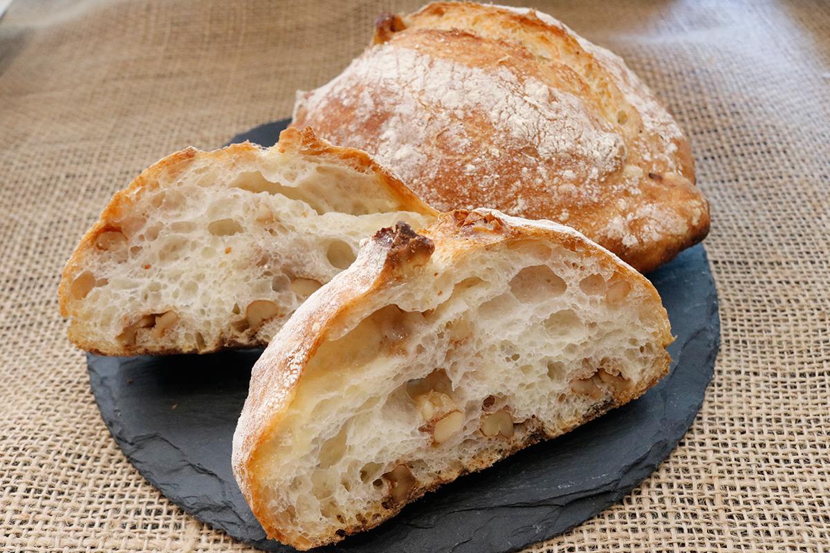パネーナ 手捏ねのくるみパン