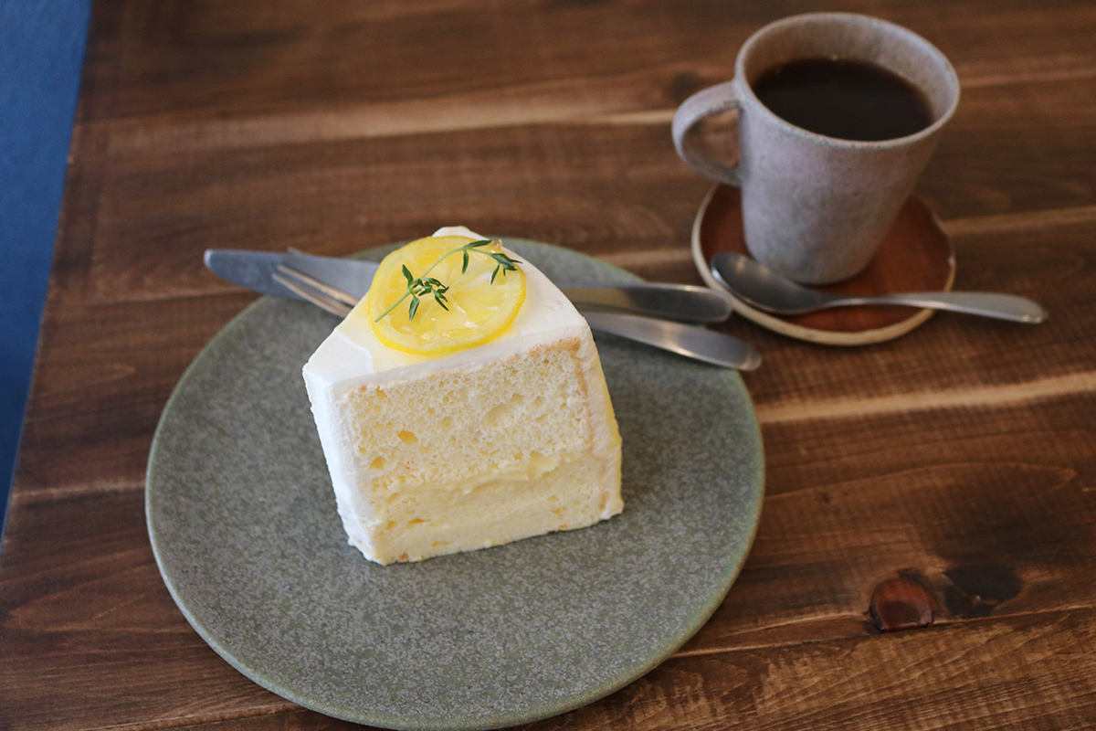 【谷町四丁目】スコーンとフルーツたっぷりのケーキがやみつきに『おやつcafe HOLIC』