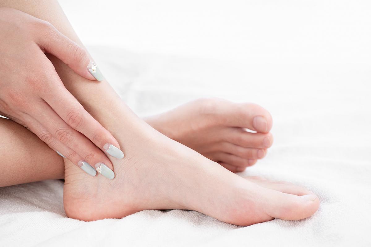 """""""素足美人""""になるためのセルフフットケア!足元がきれいに見えるお手入れ方法"""
