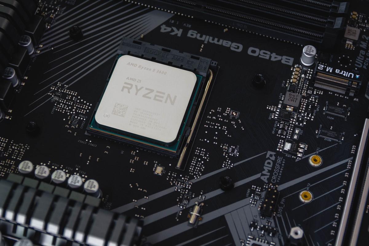 在宅ワークのパソコン CPU
